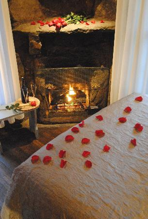 Lake Rabun Hotel & Restaurant: Romantic weekend getaway in the Andreae Room