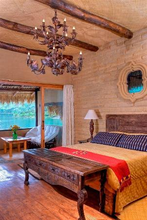 Laguna Lodge Eco-Resort & Nature Reserve: Quetzal Suite