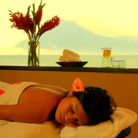 Laguna Lodge Eco-Resort & Nature Reserve: Massage in the Hummingbird Spa