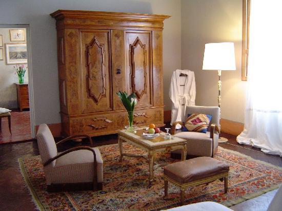 Le Tre Stanze: junior Suite triple room