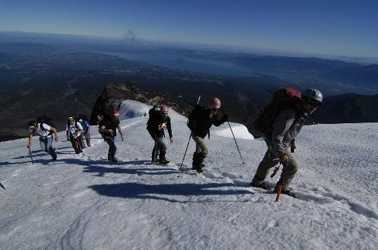 Chile Expeditions: caminando en un volcan