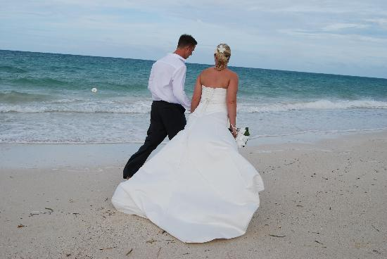 Melia Cayo Coco: Our first walk along the beach as husband and wife!