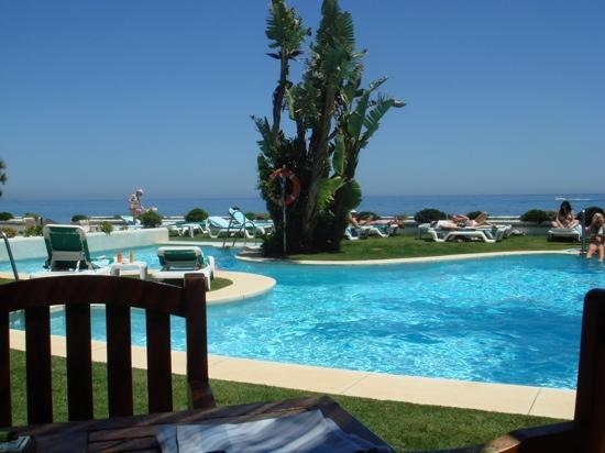 IBEROSTAR Marbella Coral Beach: Smallest of the 2 swimming pools