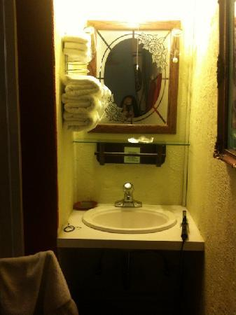 Red Victorian LLC: our sink in the room