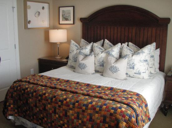 Comfortable Beds With Lots Of Pillows Picture Of Wild