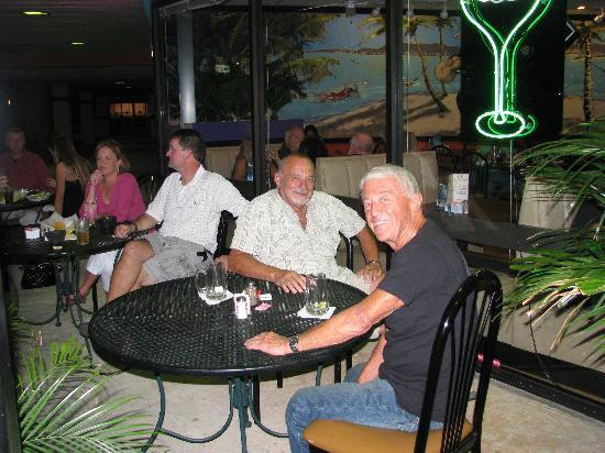 Acapulco's Mexican Restaurant: patio