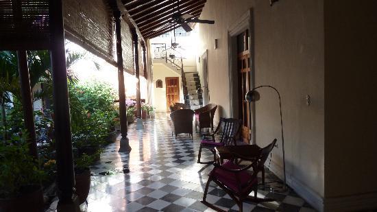Casa Cubana: verandah sitting area