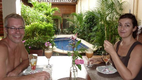 Casa Cubana: Dining with a garden view