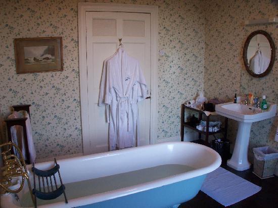 Ballyduff House: spa like bath