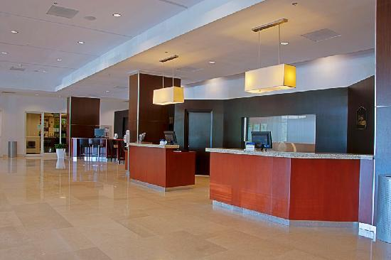 Costa Bahia Hotel, Convention Center & Casino : Front Desk