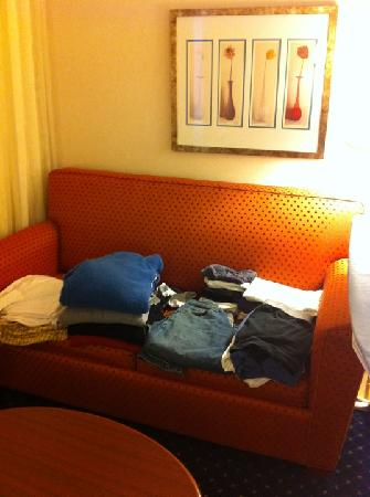 Courtyard Detroit Pontiac/Auburn Hills: They folded my clothes.  How awesome!!!