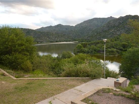 Hosteria Valle Fertil: vista del lago