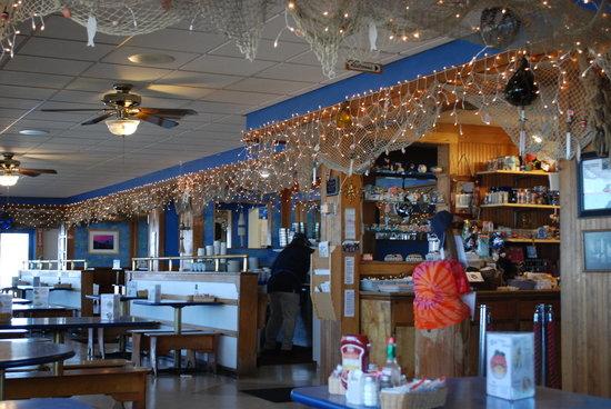 Mo's Restaurant: interior