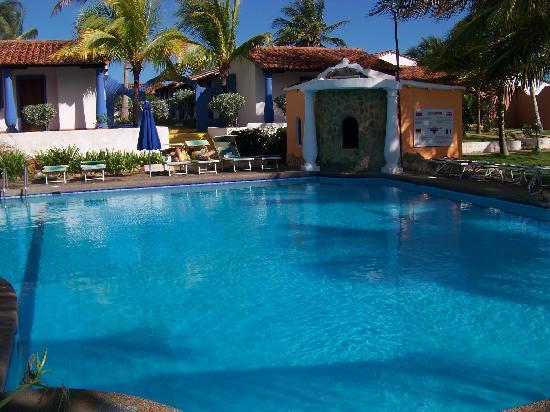 Tropical Refuge : areas de pisina