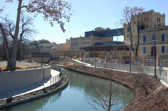 San Antonio Museum of Art : The Art Museum in the background by day...