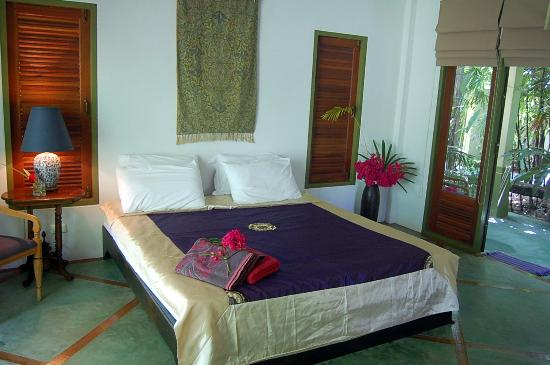 Baan Shadis Samui: Bedroom - King Size bed (only one)