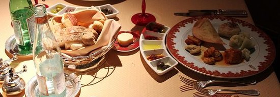Food at Al Iwan