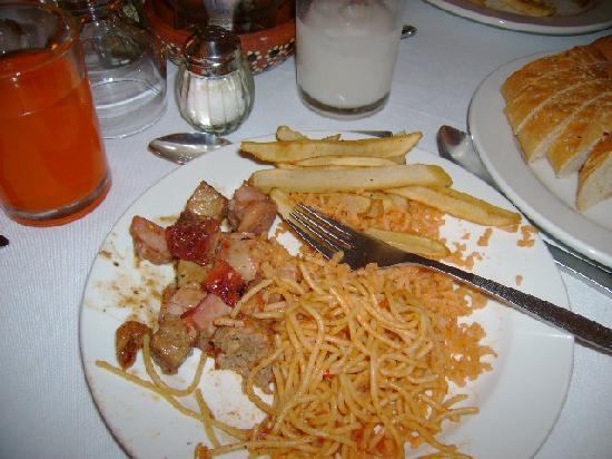 Hotel Decameron Los Cocos: comida buenisima