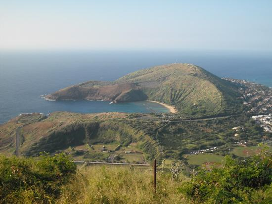 Koko Crater Trail: Hanauma Bay from the top