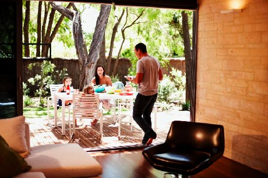 Aqua Resort Busselton: Indoor Outdoor Entertaining - Busselton Accommodation