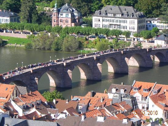 Heidelberg, Niemcy: Bridge view from castle