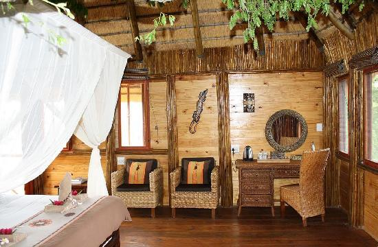 Pezulu Tree House Game Lodge : Pezulu Tree House Lodge/Interior Mountain View Treehouse