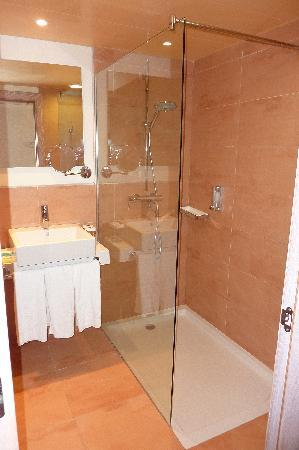 IBEROSTAR Pinos Park: salle de bain