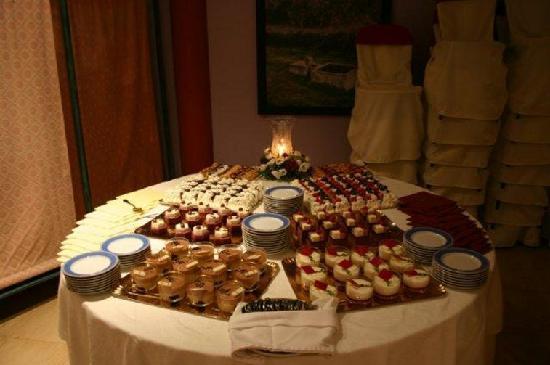 Hotel Mitra: Buffet postres