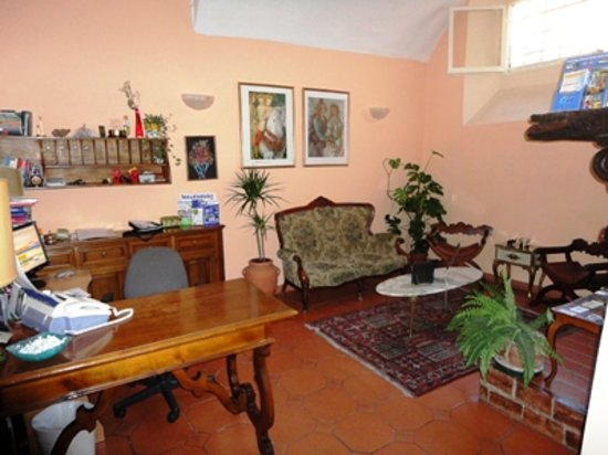 Florence Youth Hostel: reception