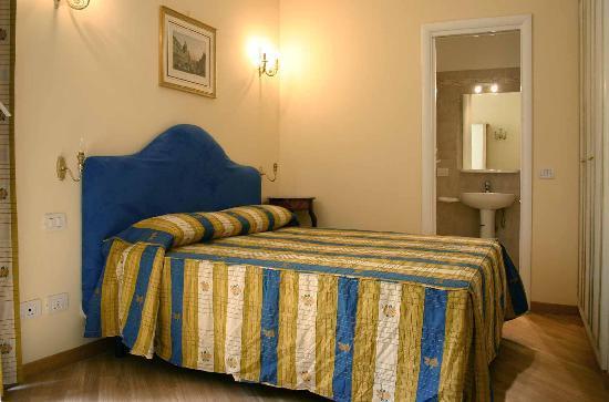 Via Veneto House: Double Bedroom