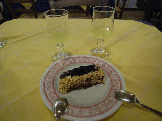 Il Siciliano Doc: The famous Southern Italy desert wine - Lemoncello; and the tasty choco cake