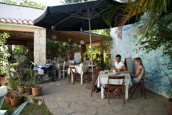 Casa Blanca Hotel & Surf Camp: Restaurant