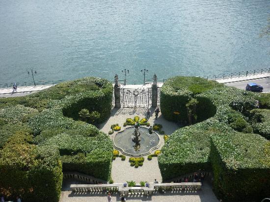 Tremezzina, Italië: splendida vista dal balcone della villa