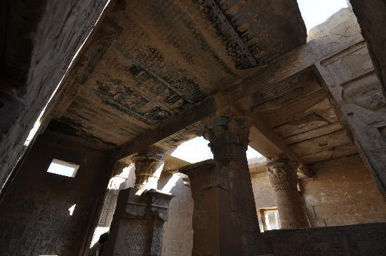 Egypt Tours Portal Day Trips: Hidden beauty, Temple of Hathor, Deir el-Medina, 3Jan2011