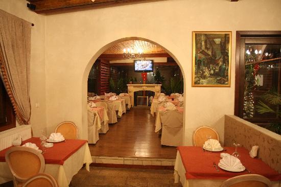 Chez Toni: Interior - 4