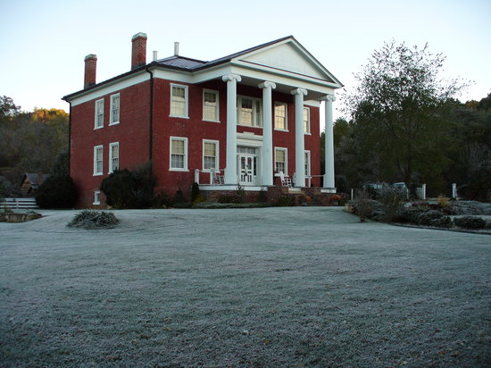 Hidden Valley Bed and Breakfast: Warwickton Mansion
