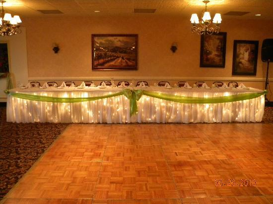 Quality Inn & Suites Conference Center: Wedding Reception