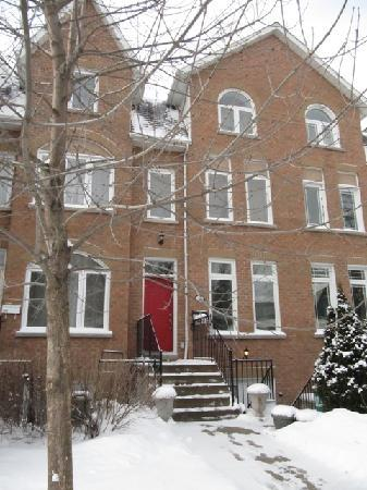 Clinton and Bloor B&B: suite dreams with snow