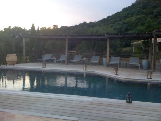 Les Bergeries de Palombaggia : Piscine