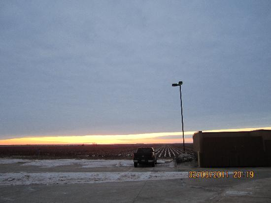 Hampton Inn & Suites Altus: Sunset Behind the Hotel