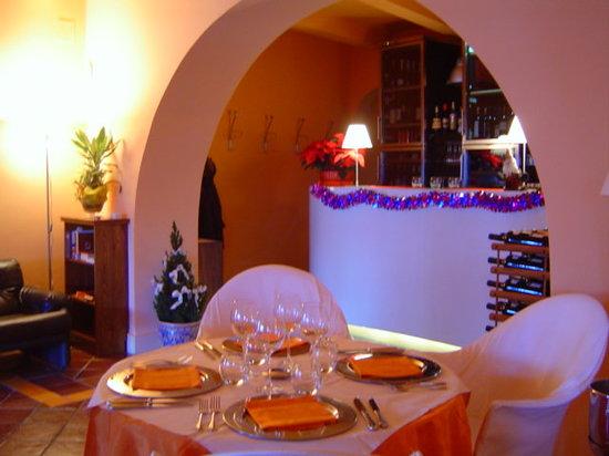 Hippopotamus Restaurant : l'arco del banco bar