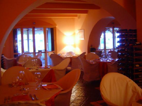 Hippopotamus Restaurant : l'arco del saloncino