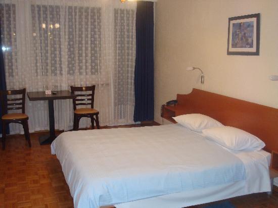 Hotel Carmen: Nuestra habitación.