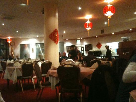 Tin Tin Restaurant: Inside