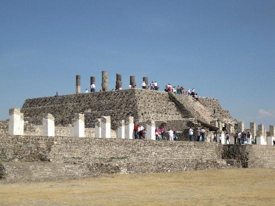Tula: Pirámide con atlantes