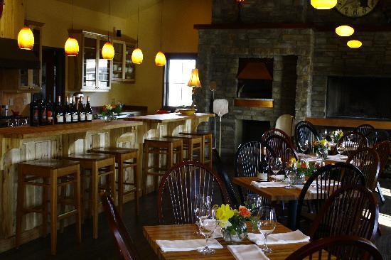 Wine o'Clock: a second interior view
