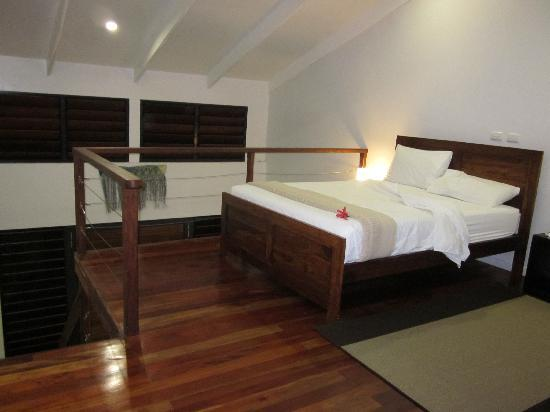 Village de Santo Resort: loft-style bedroom