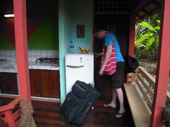 Cocles, Costa Rica: Outdoor kitchenette- not clean