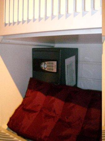 Aparthotel Brussels Midi: cassetta di sicurezza con codici personalizzabili