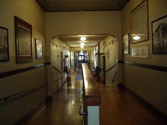 Mcmenamins Kennedy School Don T Run In The Halls